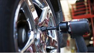 Круглосуточный шиномонтаж! Шиномонтаж и балансировка четырех колес от компании «Автоколесо 24»! Скидка 62%!
