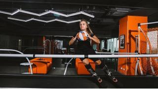 Научим кататься на лыжах! Занятия на горнолыжном тренажере SkyTech с профессиональным инструктором в клубе KowalSKI! Скидка 54%!