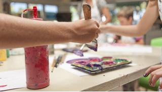 Купоны развлечения! Мастер-классы для взрослых и детей «Учимся рисовать», «Основы акварели» и курсы живописи в Школе искусств!