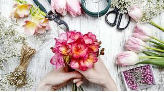 Мастер – классы по флористике! «Свадебный Букет», «Цветочные изделия» и другие! Приходи и получи знания со скидкой!