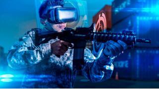 Другая реальность! Игра в шлеме HTC Vive + организация праздника для компании до 12 человек в клубе «Гравити-17»! Скидка 50%!