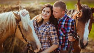 Едем в усадьбу! Фотосессия с лошадьми и конные прогулки в будни и выходные в частном конном клубе «Усадьба»!