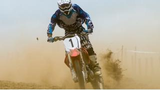 Скидка до 83% на катание на питбайке или кроссовом мотоцикле в клубе активного отдыха Pro-kvad! Заезды от 30 до 120 минут