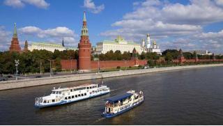 Москва, река, теплоход и романтика! Прогулка на теплоходе «Фалькон» с ужином по программе «Романтика речной Москвы»