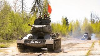Погонять на танке в Подмосковье! Скидка 53% на участие в захватывающей программе «Т-34 танк Победы» со стрельбой из АК-47