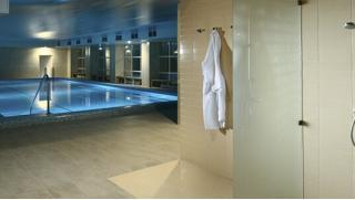 Отель Империал для Вас! Проживание для двоих в отеле: питание, бассейн, тренажерный зал, хаммам, сауна и не только! Скидка 45%!