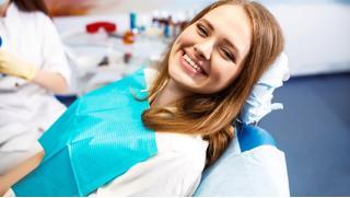 Стоматологические процедуры в клинике «Апекс» по сертификатам номиналом 3000, 6000, 8000 или 10 000 руб!